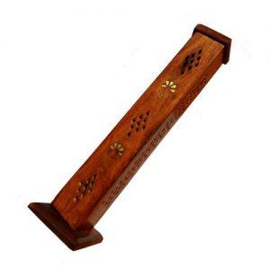 Dřevěný stojánek na tyčky, Vysoký zdobený stojan