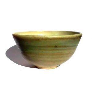 Hnědozelená mistička na čaj – Pruhovaný kalíšek z keramiky