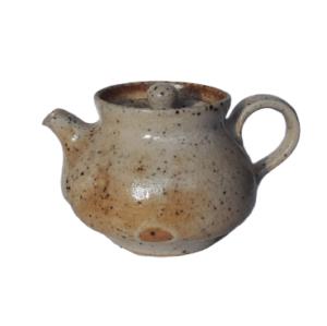 Béžová keramická konvička – Pálená v peci na dřevo – 120ml