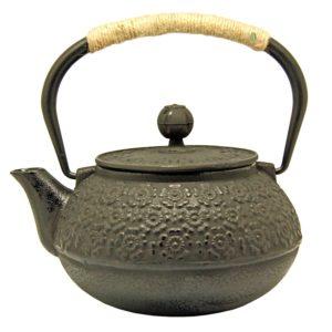 Kovová konvice ve stylu tetsubin na čaj – 900ml